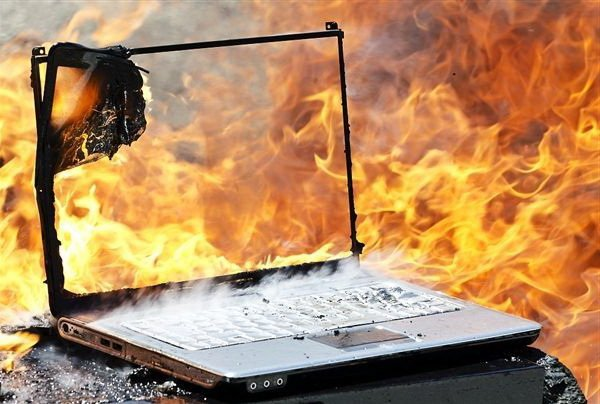 горячий ноутбук